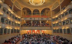 Gli studenti dell'Istituto Superiore D'Adda al Teatro Civico per l'iniziativa della Fondazione Hruby