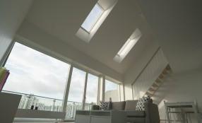 Intelligente, con stile: FAKRO presenta la nuova finestra FTU-V Z-Wave