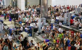Aumentano i viaggi, cresce il mercato globale della sicurezza dei passeggeri